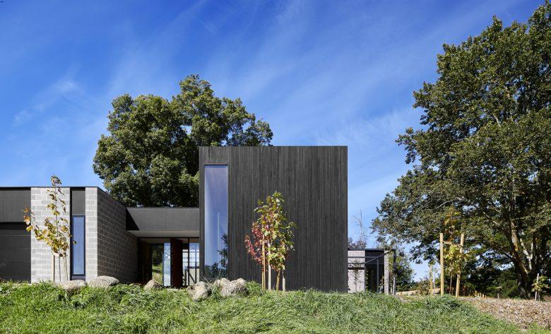 Kyneton House   Design: Moloney Architects   Images: Dave Kulesza   Builtworks.com.au