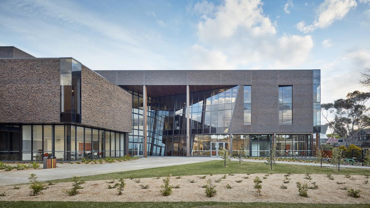 Trinity College Gateway Building | Design: McIldowie Partners | Images: Peter Clarke | Builtworks.com.au