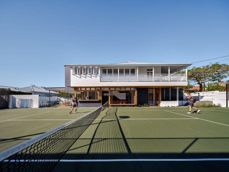 Centre Court House | Design: REFRESH*DESIGN | Images: Andy MacPherson | Builtworks.com.au