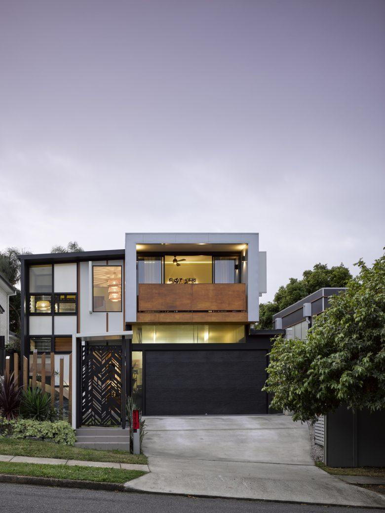 Stafford House   Design: Tonic Design   Images: Christopher Frederick Jones   Builtworks.com.au