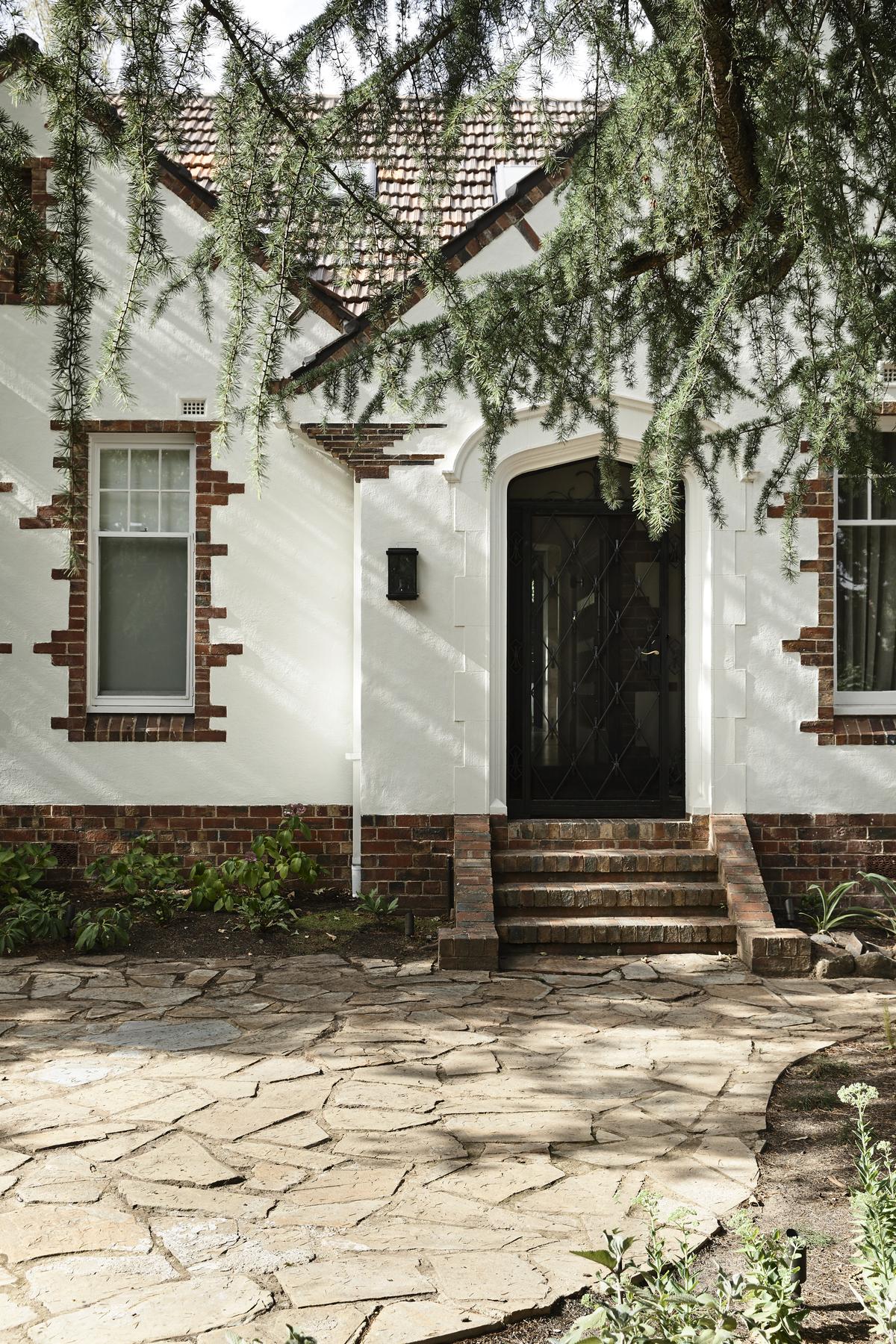 Malvern Garden House | Design: Taylor Knights | Photography: Derek Swalwell | Builtworks.com.au