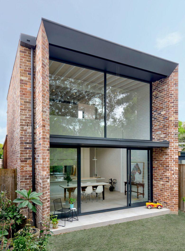 Brick Aperture House| Design: Kreis Grennan Architecture | Images: Michael Nicholson | Builtworks.com.au