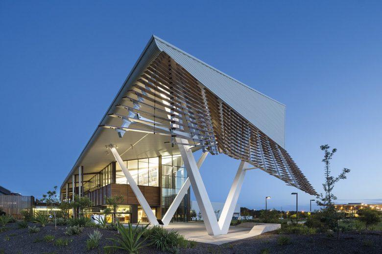 Sustainable Buildings Research Centre | Design: Cox Architecture | Images: John Gollings | Builtworks.com.au