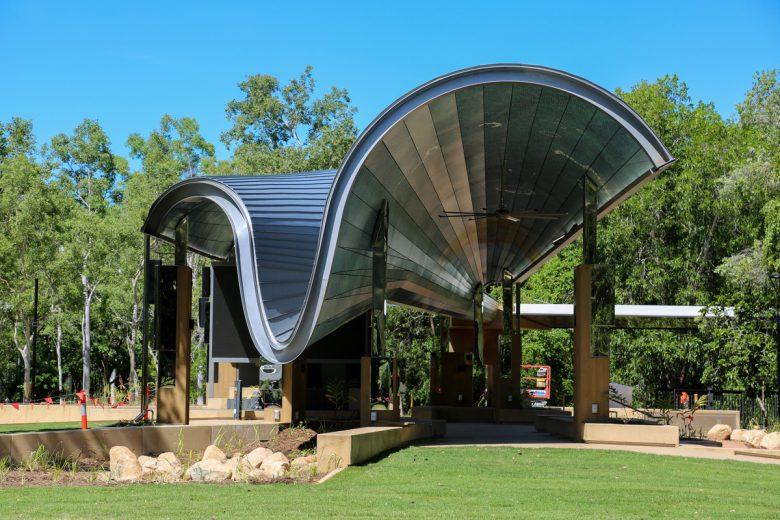 JCU Central Plaza | Design: Cox architecture | Images: Richard Davis | Builtworks.com.au