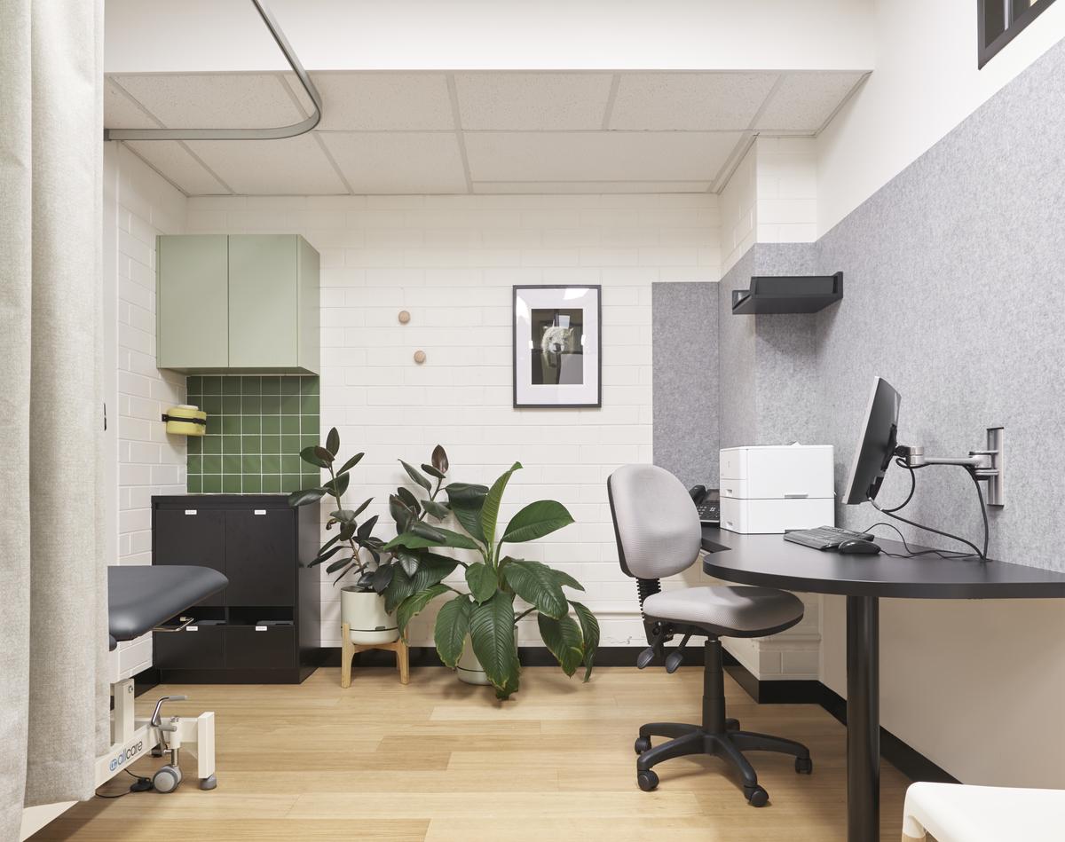 Turn The Corner Medical Clinic | Design: Drawing Room Architecture | Images: Daniel Fuge | Builtworks.com.au