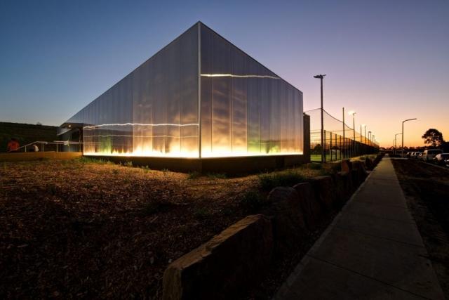 Soccer5s | Design: Plus Architecture | Images: Jaime Diaz-Berrio | Builtworks.com.au