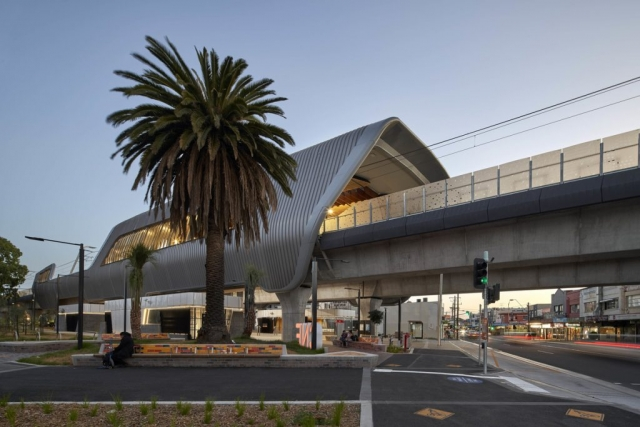 Caulfield to Dandenong Level Crossing Removal | Design: Cox Architecture | Images: Peter Clarke | Builtworks.com.au