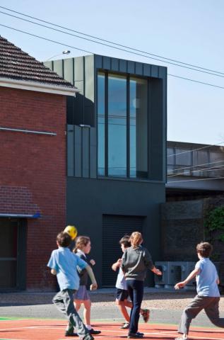 St Augustine's School | Design: Robert Simeoni Architects | Image: Trevor Mein | Builtworks. com.au