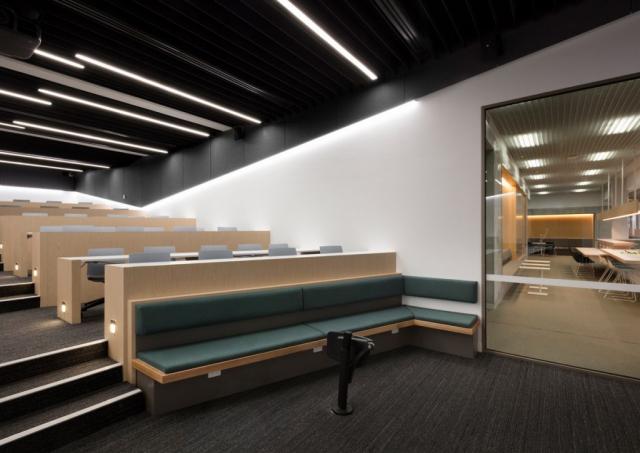 Victoria University Lecture Theatres | Design: DesignInc | Image: Dianna Snape | Builtworks.com.au